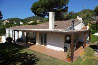 Santa Maria de Llorell sea view property to buy