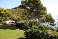 garden lounge view