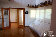 Holiday home to buy in Lloret de Mar