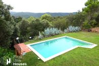 masia with swimming pool to buy Costa Brava