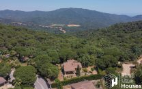 house to buy surrounded by nature Costa Brava
