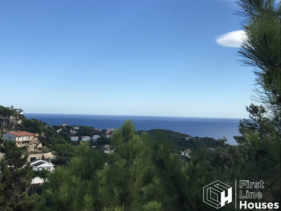 sea view plot to buy Lloret de Mar