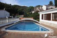 Detached house with private pool to buy Tossa de Mar