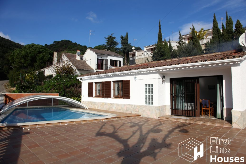 Detached house with private pool for sale Tossa de Mar