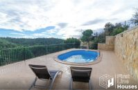 holiday home to buy with private pool