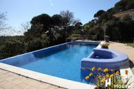 detached house to buy with private pool