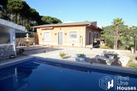 residential house for sale with private pool