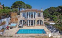 Lloret de Mar villa with tourist license for sale