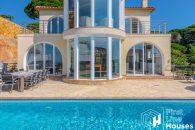 Detached house for sale with private pool Lloret de Mar