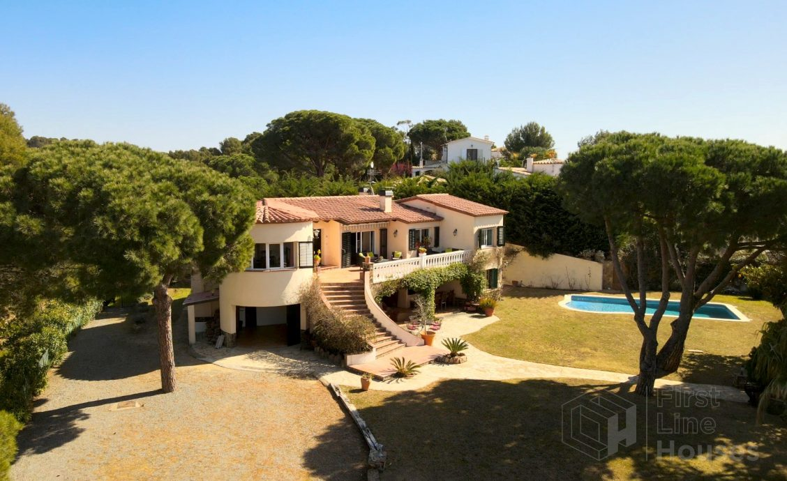 Catalan property for sale with large garden