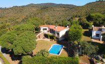 Mediterranean villa for sale near Calonge