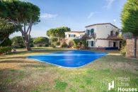 Costa Brava detached villa for sale