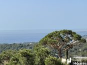 holiday home with sea view to buy